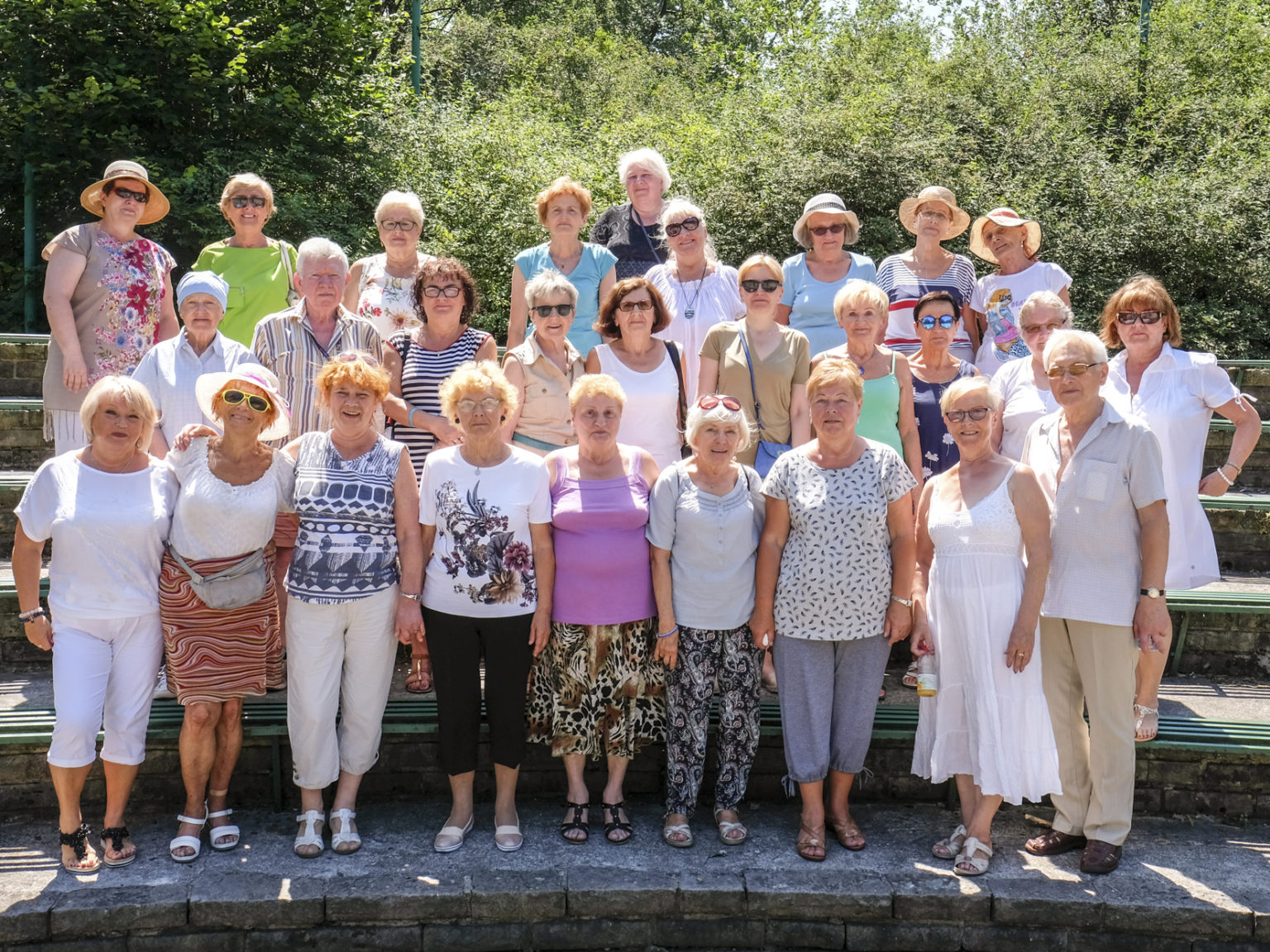 Zdjęcie przedstawiające grupę wolontariuszy
